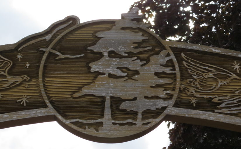 Pine Tree Wood Sign