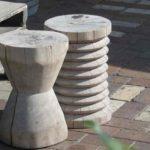 Tabourets en bois sculpté