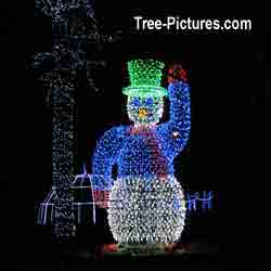 Christmas Pictures: Xmas Decorations of 12 foot high Snowman in LED Lights